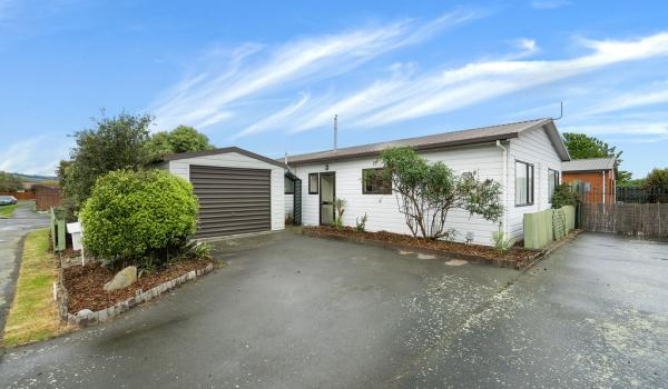 001 Open2view ID437231 1 64 Bayswater Crescent