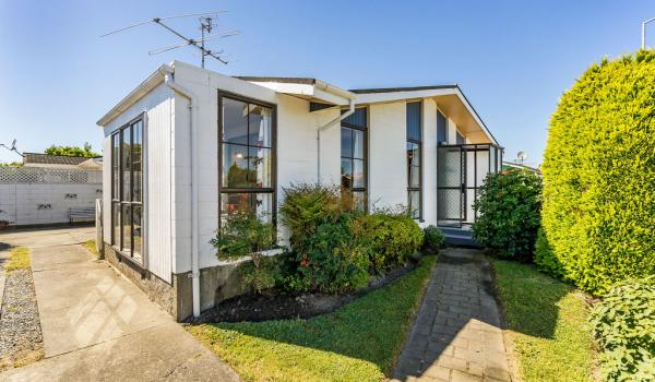 001 Open2view ID444822 1 220 Waimairi Road