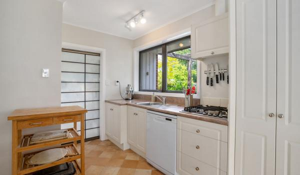 002 Open2view ID440140 15 Hornsby Street