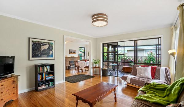 005 Open2view ID440140 15 Hornsby Street
