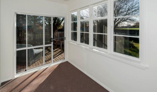 008 Open2view ID344232 589 Ferry Road Woolston Christchurch