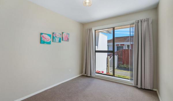 009 Open2view ID444822 1 220 Waimairi Road