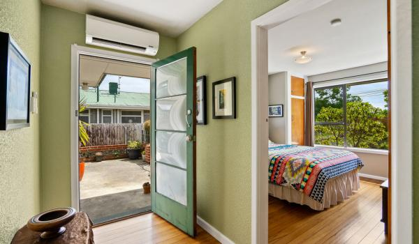 011 Open2view ID440140 15 Hornsby Street