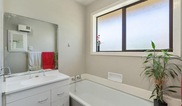 011 Open2view ID444822 1 220 Waimairi Road