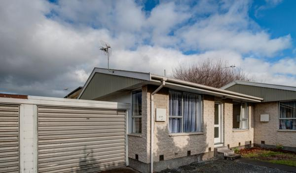 012 Open2view ID319467 2 171 Clarence Street Riccarton Christchurch