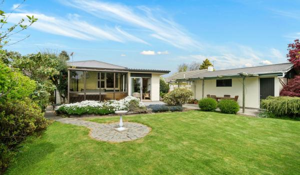 013 Open2view ID436028 67 Mooray Avenue