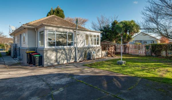 015 Open2view ID344232 589 Ferry Road Woolston Christchurch