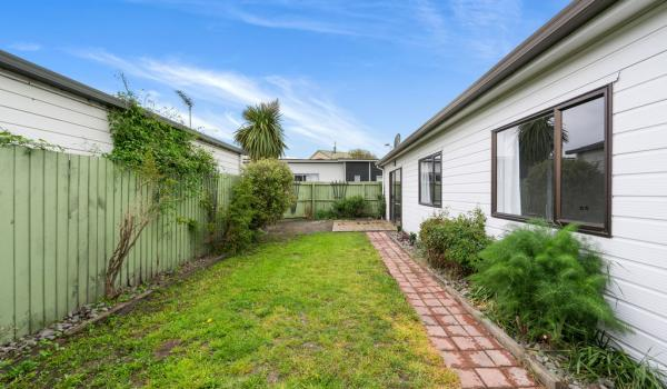 015 Open2view ID437231 1 64 Bayswater Crescent