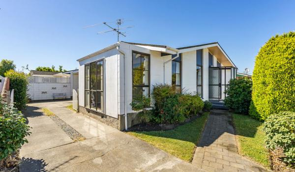 015 Open2view ID444822 1 220 Waimairi Road