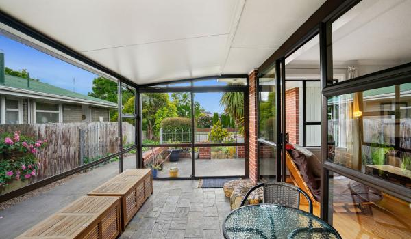 006 Open2view ID440140 15 Hornsby Street