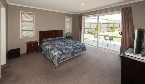 008 Open2view ID327635 16 Holbrook Way Westmorland Christchurch