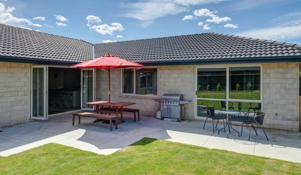013 Open2view ID327635 16 Holbrook Way Westmorland Christchurch